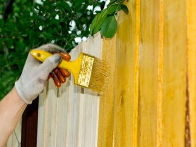 Как правильно покрасить забор?